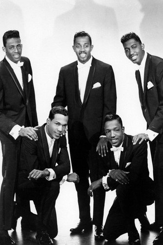 The Temptations Studio Pose In Tuxedo Classic Group Poster