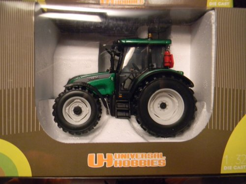 Universal Hobbies Diecast Model Valtra C Series In Green (Valtra Series)