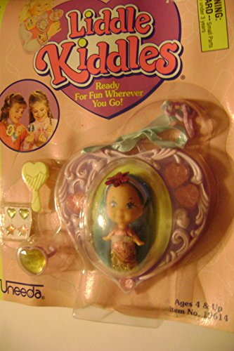 Uneeda Liddle Kiddles Lovely Lockets White Doll Blue Hair in Purple Locket