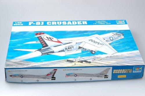 Trumpeter 1/32 F8J Crusader US Navy Fighter Model Kit
