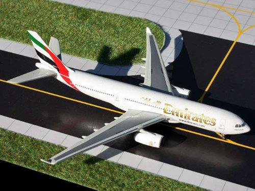 Price comparison product image GeminiJets 1:400 Emirates Airbus A330-200