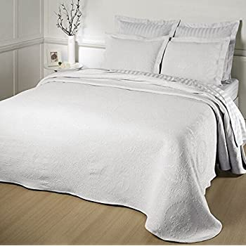 Attractive Kensington Rose Matelasse Bedspread, King, White