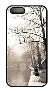 iPhone 5S Case, iPhone 5 Cover, iPhone 5S City Mist Winter Hard Black Cases