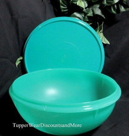 Tupperware 26 Cup Fix N Mix Bowl in Laguna Green with Seal New - Laguna Green