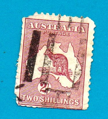 Used Australia Stamp (1913) 2 shilling Kangaroo & Map (Scott# 13)