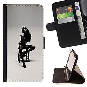 Momo Phone Case / Flip Funda de Cuero Case Cover - Señora Girl Mujer Negro Blanco Posando - Huawei Ascend P8 Lite (Not for Normal P8)