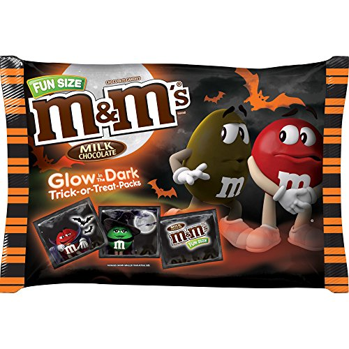 M&M'S Glow-in-the-Dark Milk Chocolate Peanut Halloween Candy 17-Ounce Bag