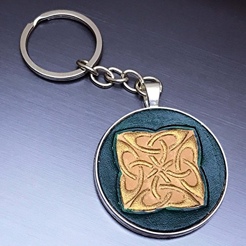 [Gold Celtic Square Knot Embossed Green Leather Keychain] (Camper Gothic Costumes)