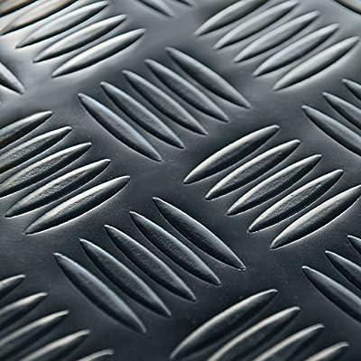 Rubber-Cal Diamond-Grip Floor Mat