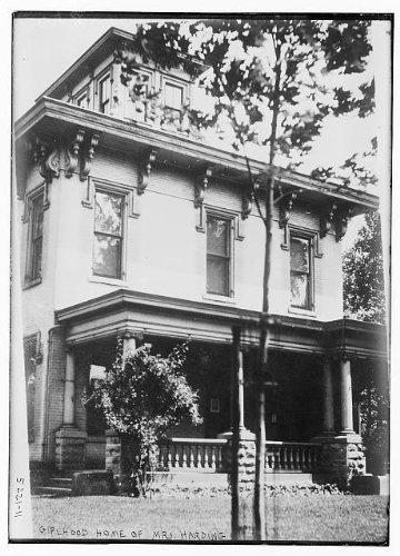 Photo: Girlhood home,Mrs. Warren G Harding,Florence Mabel Kling,houses,porches,windows