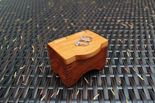 salty-earth-woods-wedding-ring-bearer-box