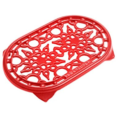 Le Creuset 10-1/2-Inch Deluxe Oval Trivet, Cherry Red