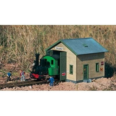 PIKO G SCALE MODEL TRAIN BUILDINGS - RED RIVER LOCOMOTIVE SHED - 62044