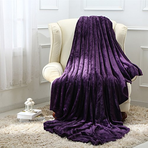 Moonen Flannel Throw and Blanket Luxurious Full Size Purple Lightweight Plush Microfiber Fleece Comfy All Season Super Soft Cozy Blanket for Bed Couch and Gift Blankets (Purple, W60 x L80)