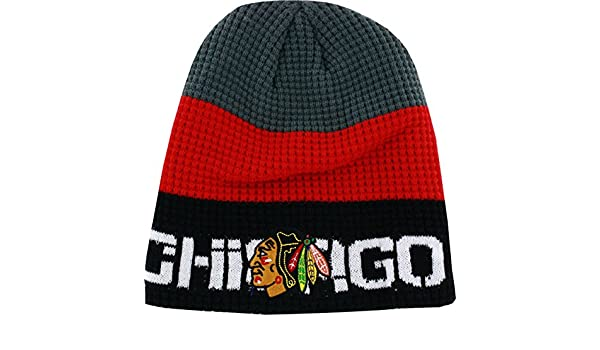 81c902adf Amazon.com: Chicago Blackhawks Boys 8-20 Reebok Gray/Black Center Ice  Uncuffed Knit Beanie: Clothing