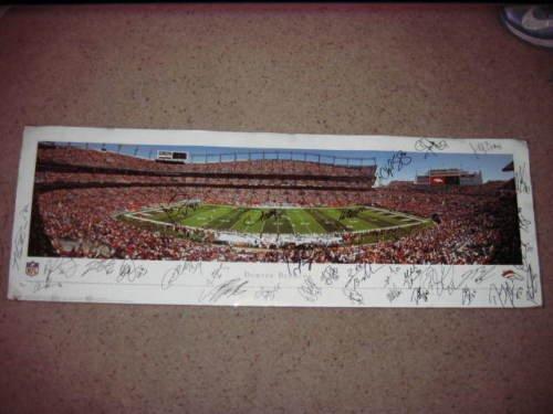 DENVER BRONCOS 2013 Super Bowl team signed 40x14