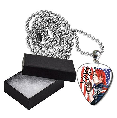 (Gerard Way My Chemical Romance Flag Style Metal Guitar Pick Necklace Chain)