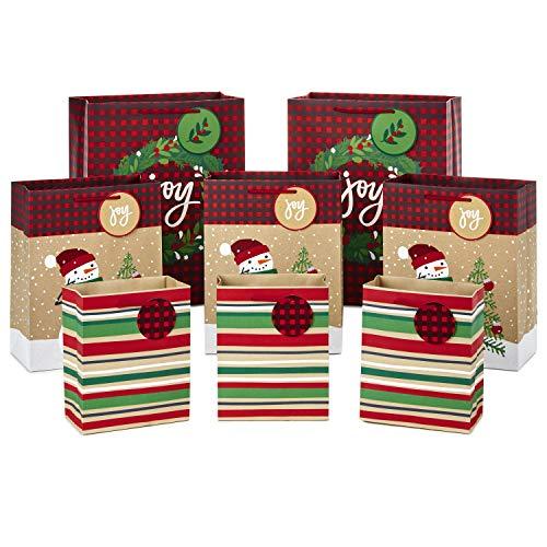 Hallmark Christmas Gift Bag Assortment, Traditional (Pack of 8 Gift Bags; 3 Small 6″, 3 Medium 9″, 2 Large 13″)