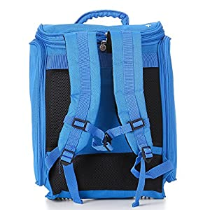 Adjustable shoulder straps on the Cabin 1 adaptable backpack