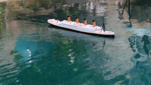 Titanic Cruise Ship - Ready To Run Remote Control RMS Titanic 32