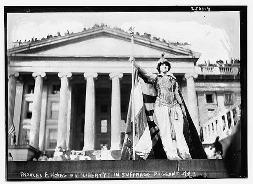 (HistoricalFindings Photo: Hedwig Reicher as Columbia in Suffrage Parade,Treasury Building,Washington,1913)