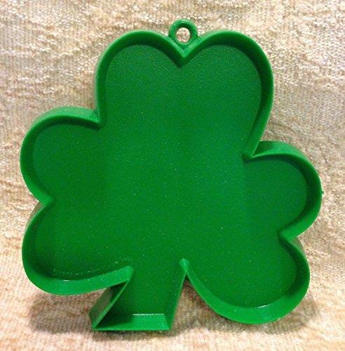 (Hallmark St. Patrick's Day SHAMROCK COOKIE CUTTER Green St Pats Paddys Vintage 1970s)