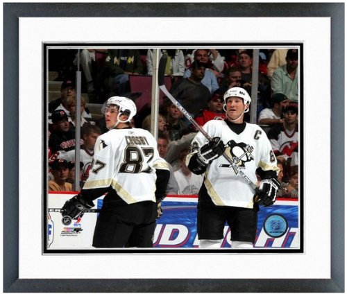 Mario Lemieux Framed Photo (Sidney Crosby Mario Lemieux Pittsburgh Penguins NHL Action Photo 12.5