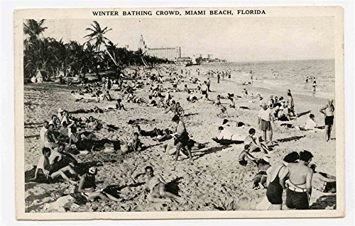 (Winter Bathing Crowd Miami Beach Florida Postcard 1939 Photo)