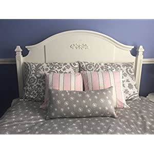 Image of Gray and Baby Pink Bed Pillow Ensemble