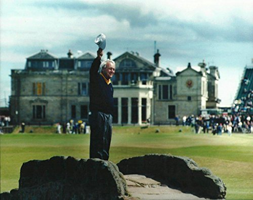 18th Hole Framed (Arnold Palmer waving good bye as he walks up the 18th hole of St Andrews during his final British Open - 16