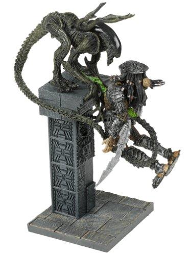 McFarlane: Alien vs. Predator - Alien Attacks Predator