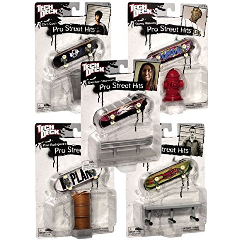 - Tech Deck 96mm Pro Hits Fingerboard Skateboard Playset : Includes 1