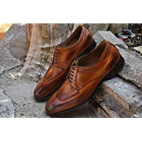 Zapato tejido sobre la horma