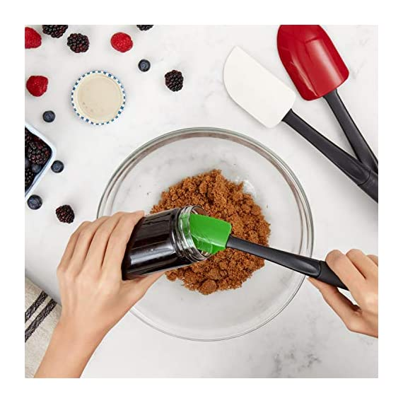 Oxo Good Grips 3-piece Silicone Spatula Set 6 3-Piece Silicone Set includes: Small Spatula, Medium Spatula and Spoon Spatula Small Spatula ideal for reaching food in jars and other tight spaces Medium Spatula features rounded edge for scraping bowls and square edge for pushing batter into corners