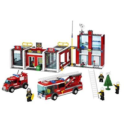 LEGO City Fire Station (7208): Toys & Games