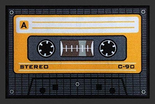 Fußmatte / Schmutzabstreifer / Sauberlaufmatte / Türfußmatte / Fußabstreifer / Fußabtreter / Fussabtreter / Fussabstreifer / Türmatte / Motivfußmatte / Fussmatte / Schmutzfangmatte / Kassette Musikkassette Compact Cassette Compactcassette MC Tonträger aus 70er Jahren bis zu den Späten 90er Jahren aktuell grau orange Grösse 40 x 60 cm