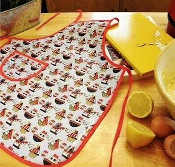 Boys Ship Design Childs Art And Craft, Painting and Cooking Apron / Tabard ACHARACTERSHOP Vehicles & Boats
