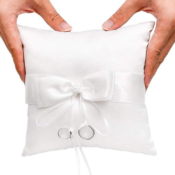 Amazon.com: Little World - Almohada de perlas de anillo ...