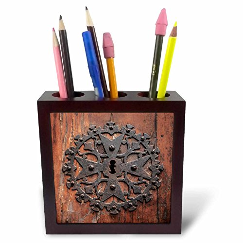 3dRose Danita Delimont - Doors - Spain, Balearic Islands, Mallorca, Arta. Decorative Key hole - 5 inch tile pen holder (ph_277914_1) by 3dRose
