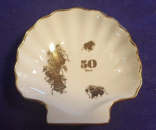(Vintage VILETTA 50th Anniversary Collectors SEASHELL Trinket or Candy Dish)