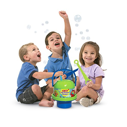 Little Kids No Spill Big Bubble Bucket, Colors May Vary