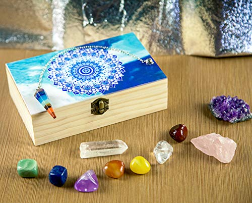 Set Necklace Fluorite (HTW Chakra Healing Stones & Crystals | Natural Meditation Gemstones - Amethyst, Rose Quartz, Citrine | 7 Tumble Stones & 7 Pendulum Crystals | Gift Box Beginners Set with Unique Blue Mandala Design)