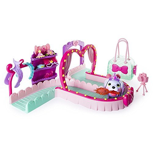 Chubby Puppies and Friends Fashion Runway Playset