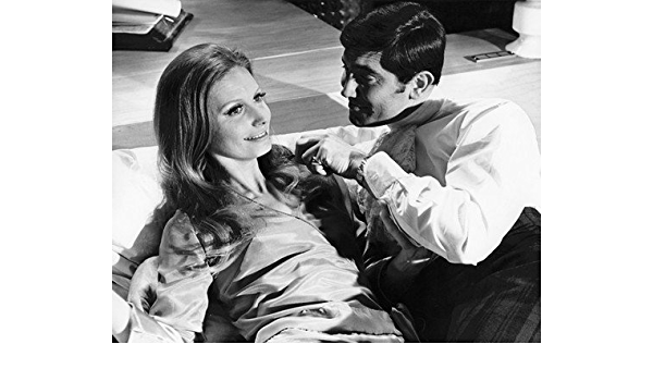 On Her Majesty/'S Secret Service George Lazenby Catherine Schell On Set Bed 8X10