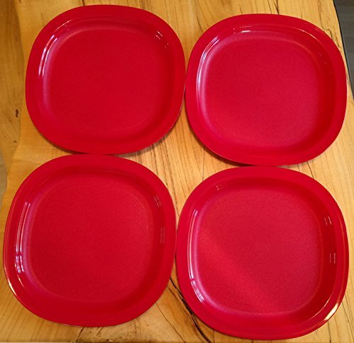 Tupperware Microwave Luncheon Plates in Holiday Red