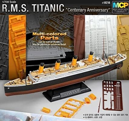 Amazon.com: Academy escala de 1/700 R.M. S. Titanic Plástico ...