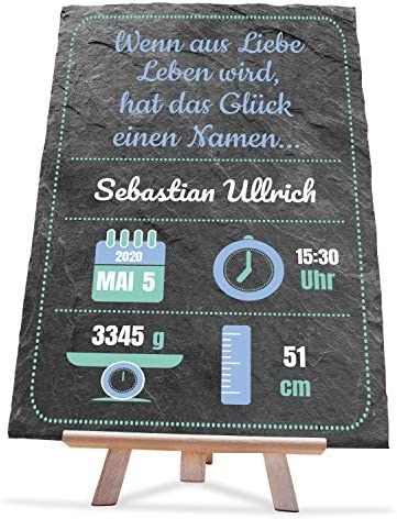 wandmotiv24 Schiefertafel als Geschenk zur Geburt, Größe 20 x 30 cm, Geburtstag, personalisierte Geschenke, Neugeborene, Baby-Geschenk, Junge, Mama, Papa, Oma, Familie, Geschenkideen für Jungs M0368