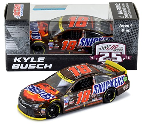 Action #18 Kyle Busch 2016 Snickers Halloween 1/64 NASCAR Diecast Car Toyota Camry Gold Series - -