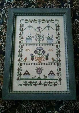 Fleur De Lis Cross Stitch Chart and Free Embellishment