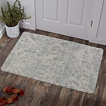 Amazon Com Loloi Ll Isadora Collection Distressed Persian